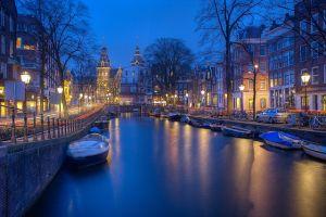 amsterdam-1150319_640